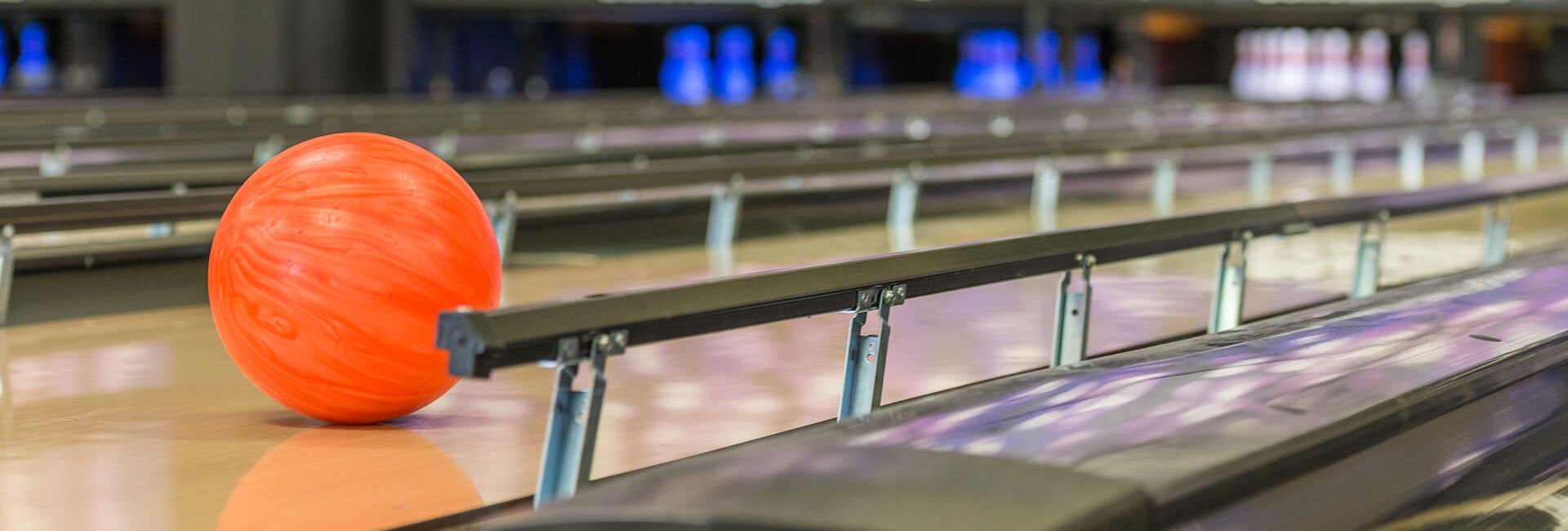Bowling lane with bumpers